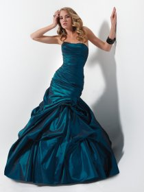Gorgeous Mermaid/Trumpet Strapless Satin Prom Dress