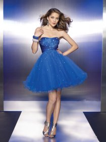 Elegant Strapless Beading Organza Homecoming Dress