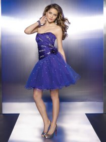 Gorgeous Strapless Beaded Short Organza&Satin Homecoming Dress