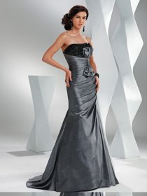 Sheath/ A-line Strapless Beaded and Ruched Satin Prom Dress