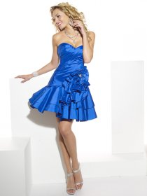 Gorgeous Sweetheart Cascading Ruffle Sheath Cocktail Dress