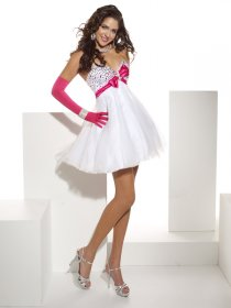 A-line Sweetheart Beading Organza&Satin Graduation Dress