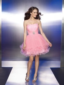 Cute Short Strapless Beading Organza Graduation Dress