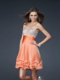 Elegant Sweetheart Beaded Cascading Ruffle Chiffon Homecomingl Dress