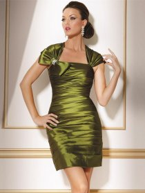 Short Sheath/Column Square Pleated Green Satin Cocktail Dress