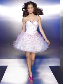 Cute Sweetheart Beading Pleated Organza Graduation Dress