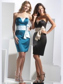Elegant Sweetheart Satin Sheath Cocktail Dress