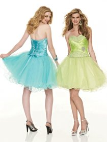 Lovely Short Sweetheart Beading Organza Graduation Dress