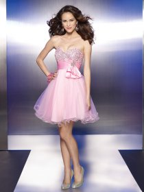 Short Beading Sweetheart Organza&Satin Graduation Dress