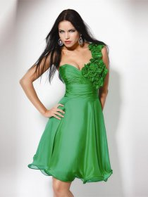 One-shoulder Sleeveless Chiffon Homecoming Dresswith Handmade Flowers