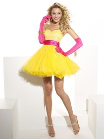 Sweetheart Beading Organza&Satin Lovely Homecoming Dress